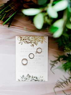 Oak   Lily Flowers ~ Brittany Mahood PhotographyMC Wedding-1