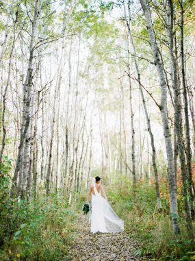 Oak & Lily Flowers Photo by Brittany Mahood br-wedding363